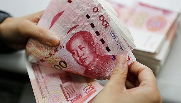 人民币升值收官2017 美元成扶不起的阿斗?