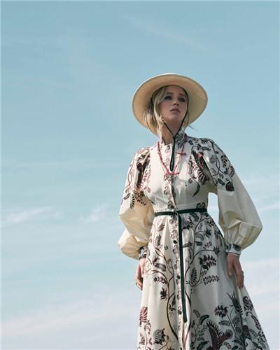 Dior(迪奥)释出2018早春度假系列广告大片