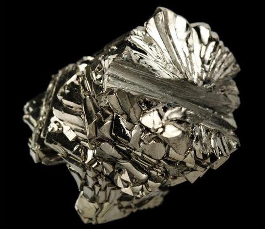 钛和不锈钢哪个硬