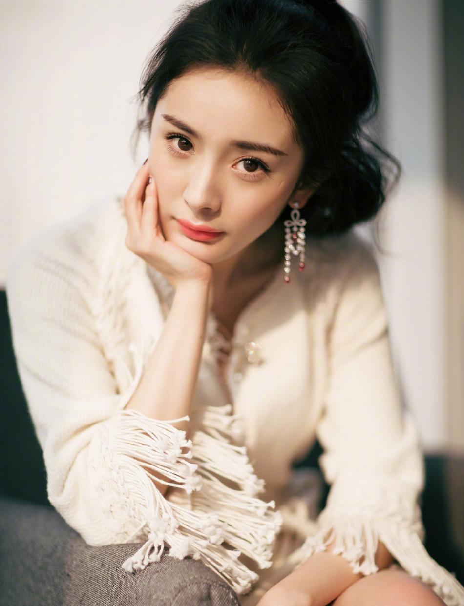 杨幂谈人设崩塌:我是全世界最不缺黑历史的女明星
