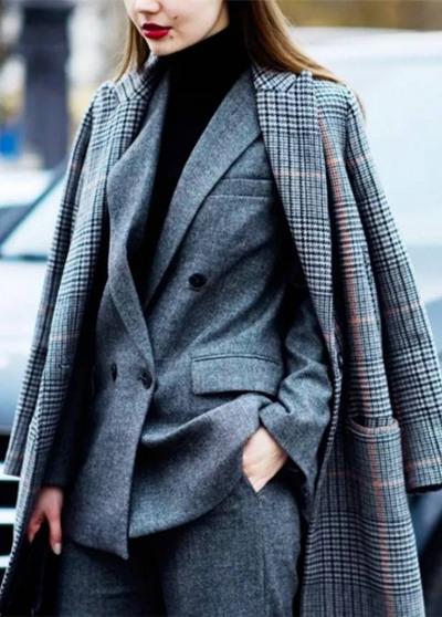 欧美达人冬季街拍示范 穿好打底衫一秒变时髦