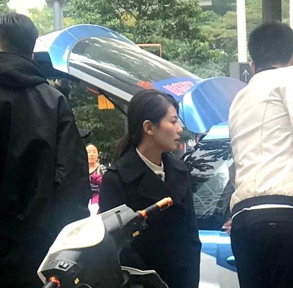 刘涛街头拍新戏被偶遇