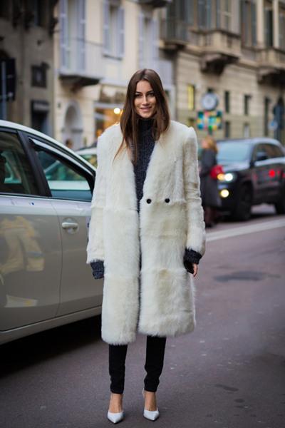 冬季穿衣搭配一点都不难 高领毛衣+外套高雅有气质