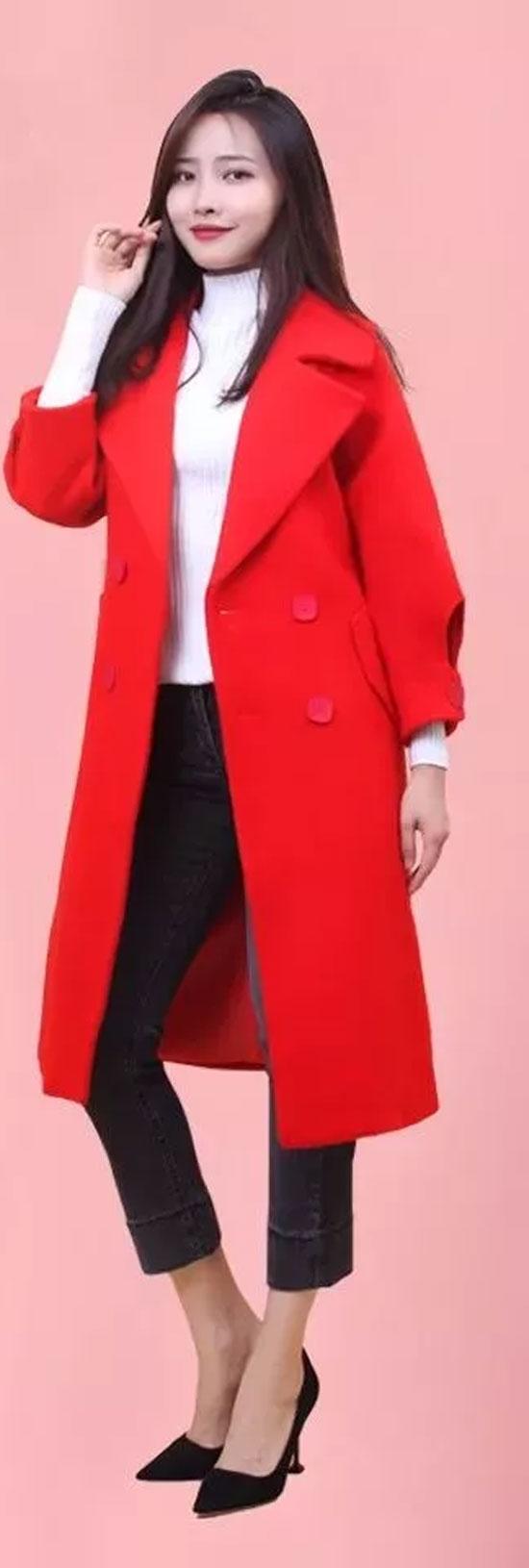 2018职场穿搭造型示范 红色大衣HOLD住全场