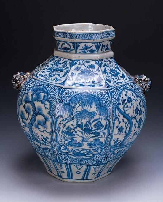 1000元卖掉瓷罐40年后值2亿 元青花八棱罐世存仅两件