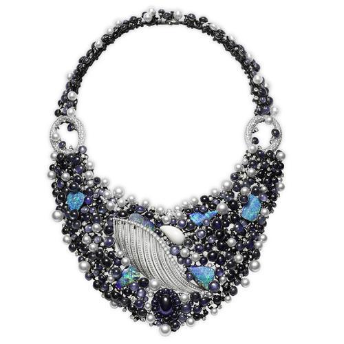 璀璨流光 高级珠宝项链点亮颈间的光与影