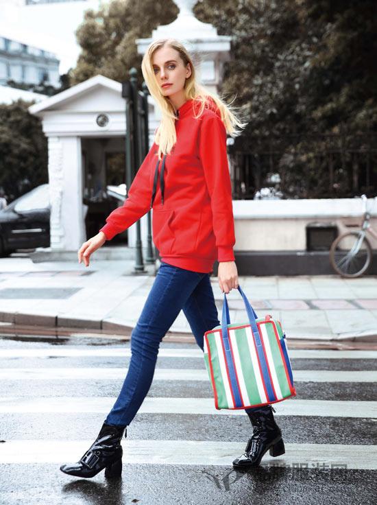 丹菲诗时尚品牌女装 时尚穿搭展现青春活力