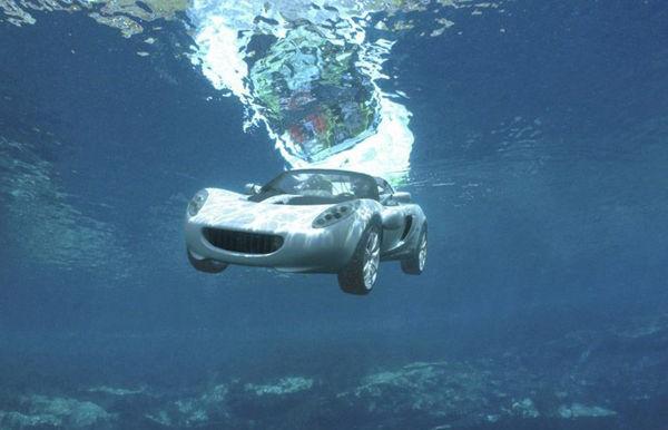 开车落水后如何自救