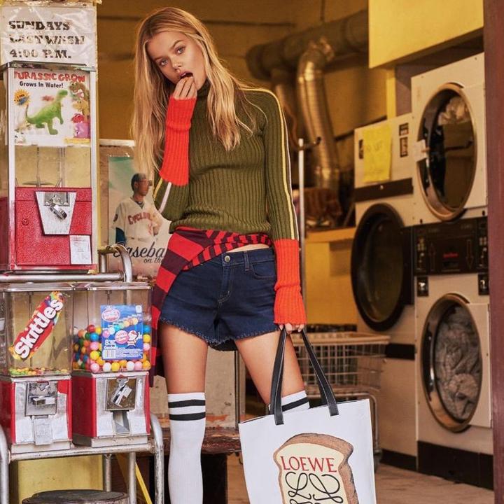 超模Frida Aasen为《ELLE世界时装之苑》杂志拍摄时尚大片