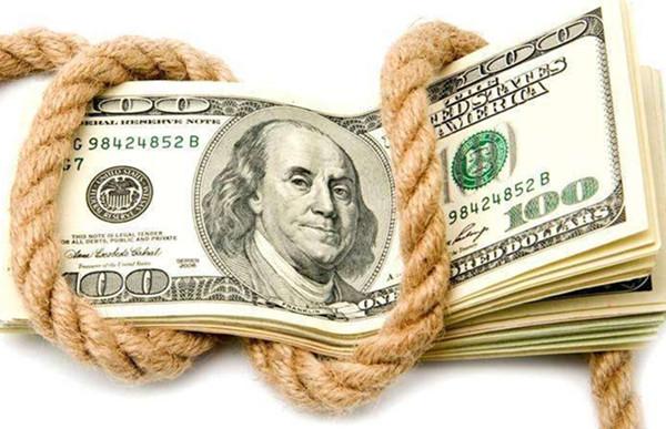"""全球经济周期加速进行时 美元贬值成了""""代罪羔羊""""?"""