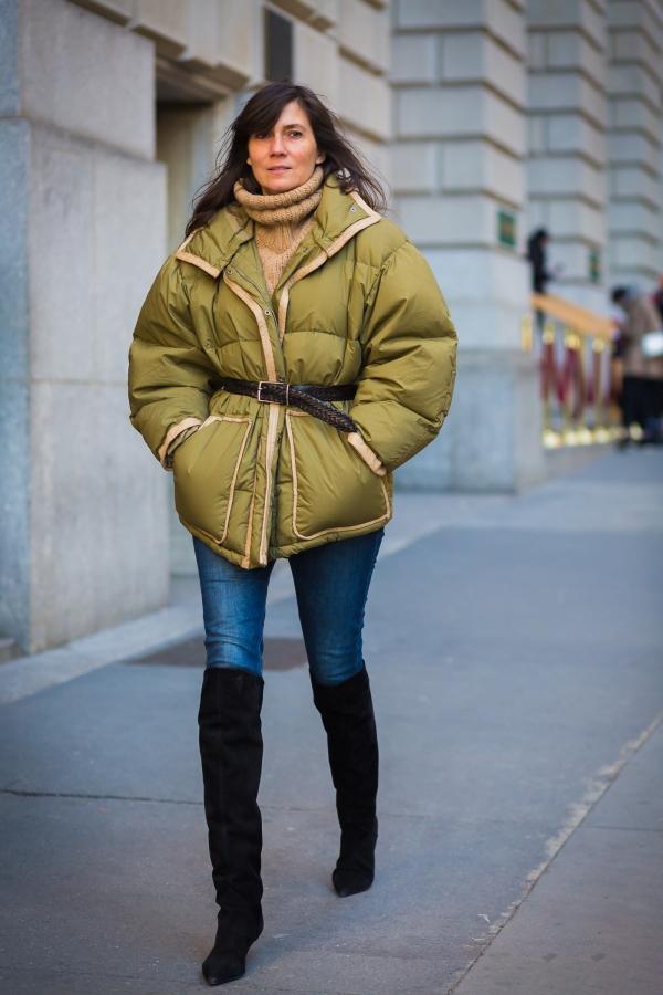 面包服微胖人搭配技巧示范 面包服搭配过膝靴显瘦