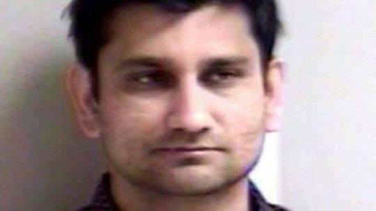 印度一男子坐飞机性侵女乘客 而他的妻子就在旁边