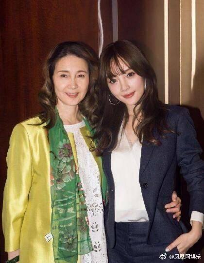 李小璐母亲被曝抢人男友 20年前的事为什么现在才说?