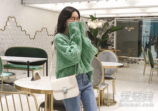 绿色系穿衣搭配技巧示范 4款时髦单品穿出不一样的好心情!