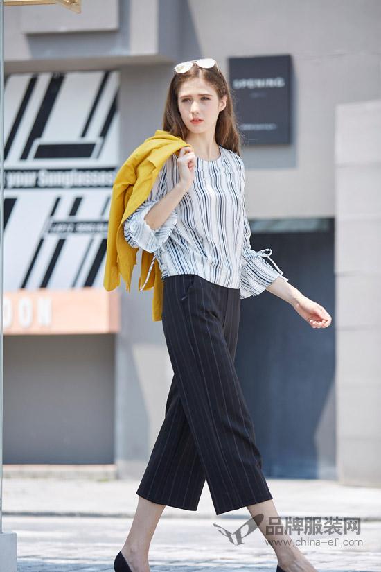 金蝶茜妮穿衣搭配技巧示范 出街需要这样的颜色搭配!
