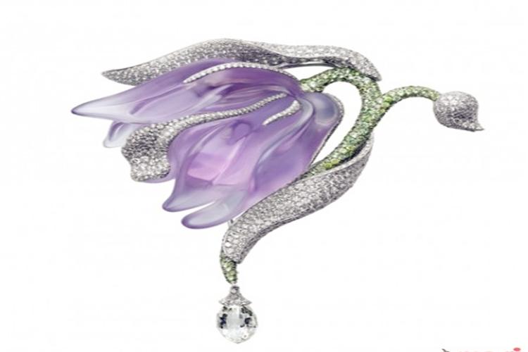各大珠宝品牌最经典的那款花 一一为你绽放
