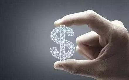 8、赎回技巧不死板<br /> 要善用部分赎回,适时转换基金。在基金定投这一投资方式下,可以部分赎回或是进行部分转换,以最大化地提升投资收益,降低投资风险和成本。因此,基民开始定期定额投资后,当自己对后市情况不是很确定时,也不必完全解约,可赎回部分份额取得资金。若市场趋势改变,可转换到另一轮上升趋势的市场中,继续进行定期定额投资。