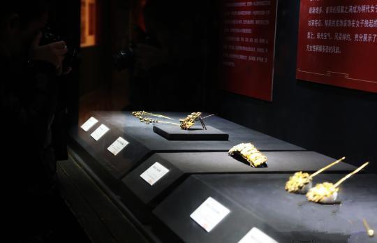 128件明代王妃首饰首次集中对外展示 吸引1.5万观众参观