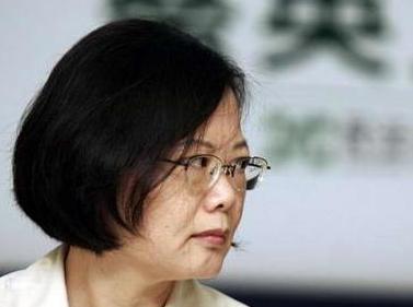 台军退役将领流泪痛批蔡英文:台湾要亡在你手里了!