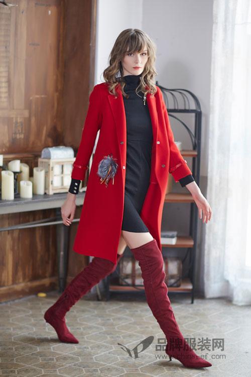 金蝶茜妮推出2017冬季新品 红色中长款大衣符合新年气氛落落大方!