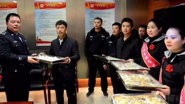 安徽一珠宝店被盗300万黄金珠宝 警方40个小时迅速破案
