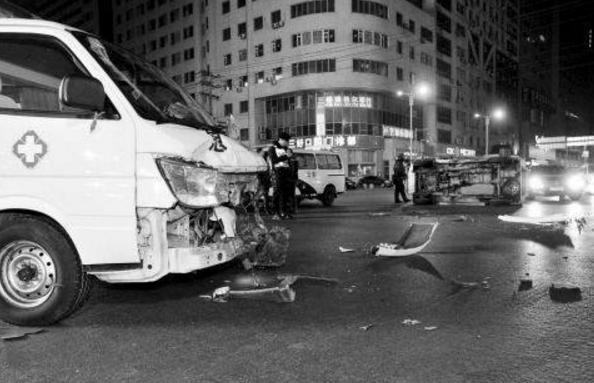 怀化救护车遇车祸两人死亡 为1名患者和1名随车医生
