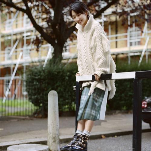 你的袜子穿对了吗?周冬雨教你如何玩转各种袜子