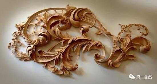 Alexander热爱手工木雕 每天工作17个小时