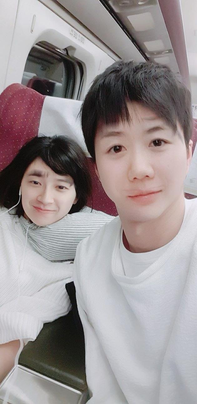 """福原爱与老公换脸 网友惊呼""""年轻版黎明"""""""