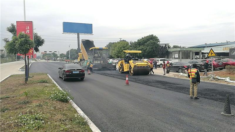江门市进行潮汕大道沥青铺设工作 将在春节前完成