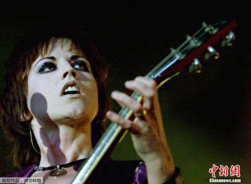 知名乐队主唱突然去世 桃乐丝在伦敦逝世享年46岁