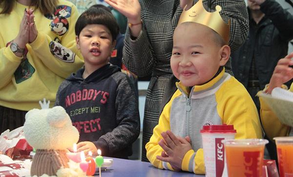 青岛6岁快递男孩后续:目前已经去上学了