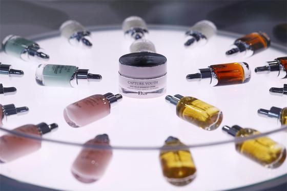 迪奥(Dior)未来新肌系列派对 领略Dior迪奥革命性的护肤理念