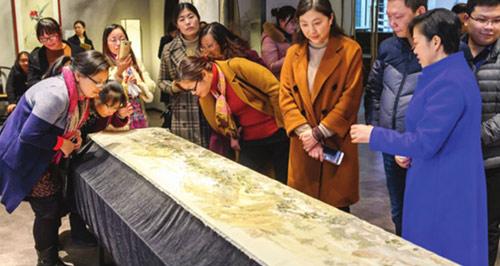 高新区收藏大型缂丝制品《姑苏繁华图》刻画人物达1万多人