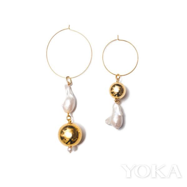 越来越多时尚的珠宝品牌 珍珠打造原始感的首饰