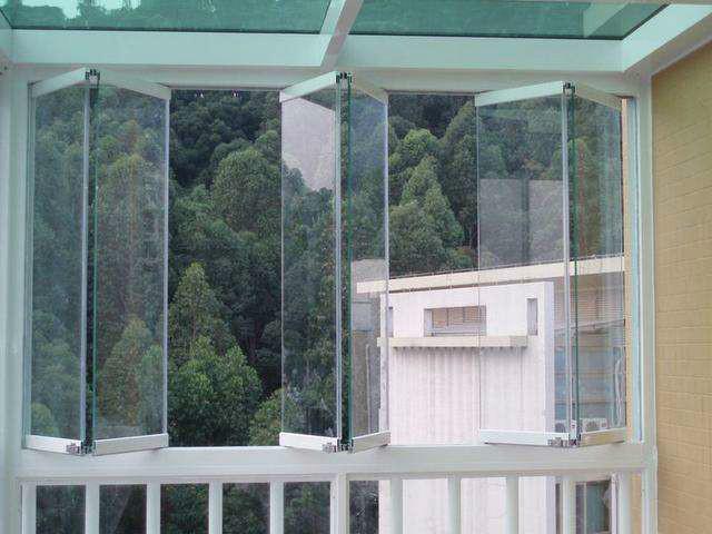 装修时如何装修玻璃窗