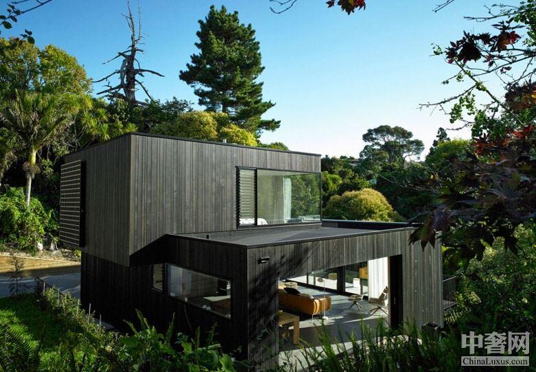 Waiatarua House豪宅:一个安静的建筑表达十分优雅