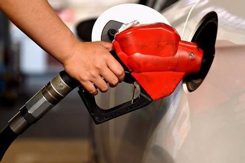 """成品油消费税公告出炉 """"汽强柴弱""""格局加剧"""
