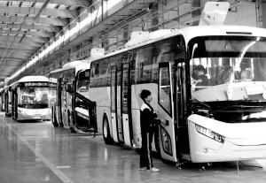 石家庄中博汽车自主研发新能源汽车 形成闭合产业链