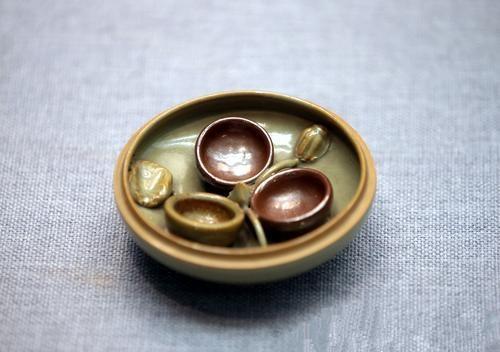陕西耀州窑116件瓷器集聚南京 描绘古代贵族少女的日常