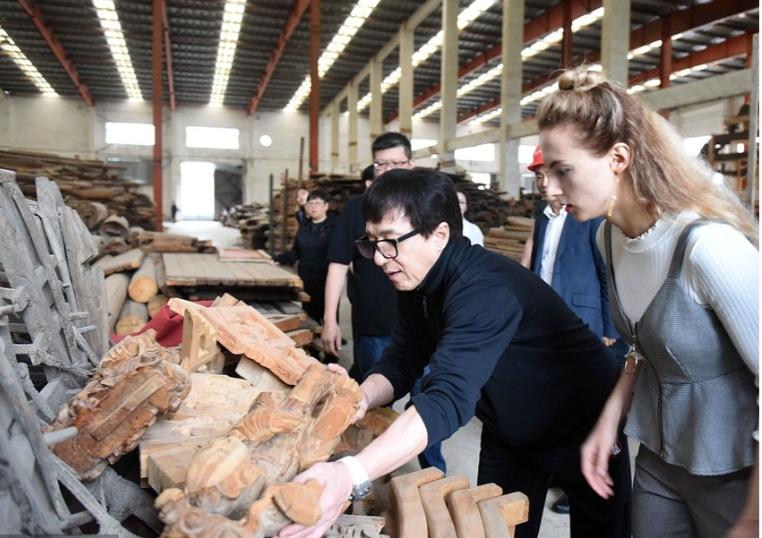 """成龙收藏的徽州古民居回归安徽 将打造""""大美中国·成龙岛"""""""