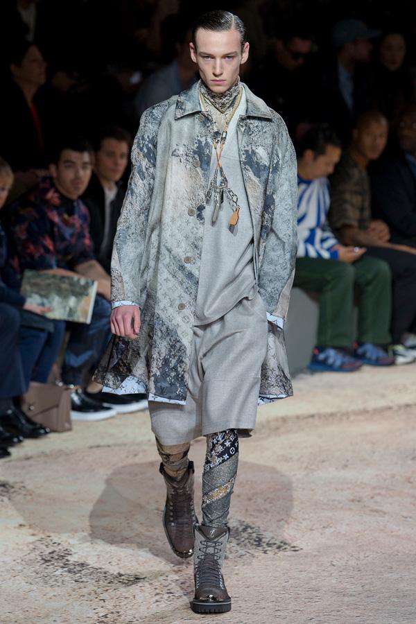 Louis Vuitton(路易威登)于巴黎时装周发布2018秋冬系列男装秀