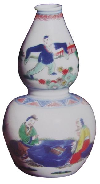 五彩人物葫芦瓶收藏鉴赏
