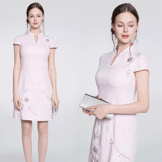木帛新品上市 旗袍表现出中华女性贤淑温柔的性情与气质