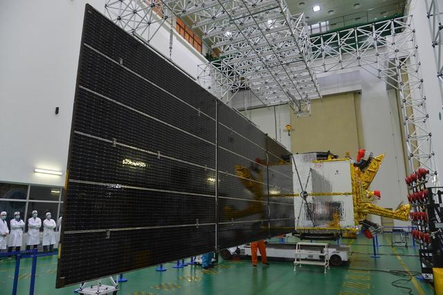 """我国首颗高通量通信""""实践十三号卫星""""投入使用"""