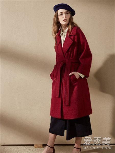 红色衣服配什么颜色围巾 六种搭配方法让你搭出时尚