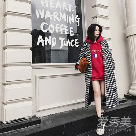 卫衣+大衣穿衣搭配 很流行的搭配方式时尚感爆棚!