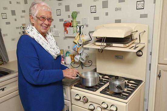 """一台""""古董""""烤箱使用了59年还能正常工作"""