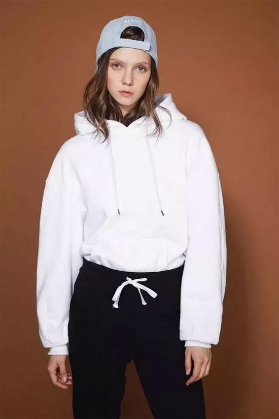 sophie&stephie2018最强内搭 短外套+卫衣=活泼范儿!