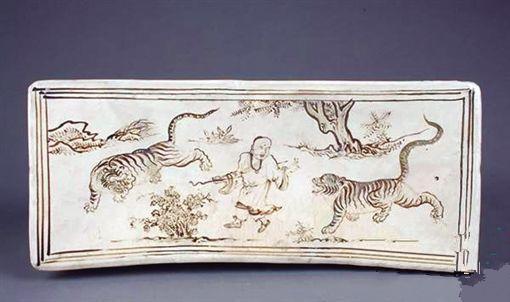 瓷器上的佛教人物神态庄重 显其慈祥宁静之美